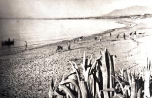 Playa de Nagüeles - 1950-60 - Tirando del copo R